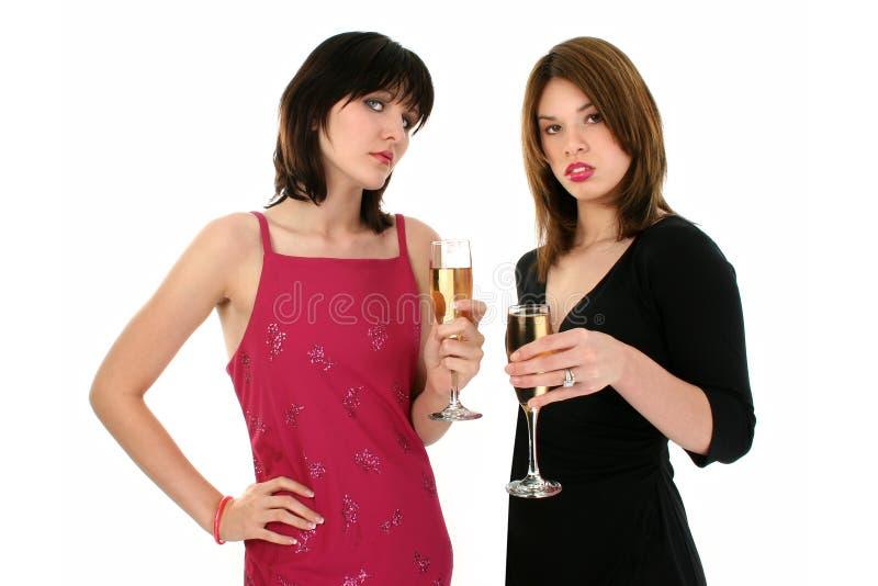 panie pije szampana obraz stock