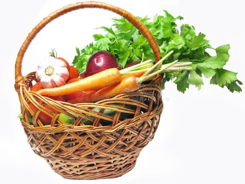 Panier complètement des légumes photo stock