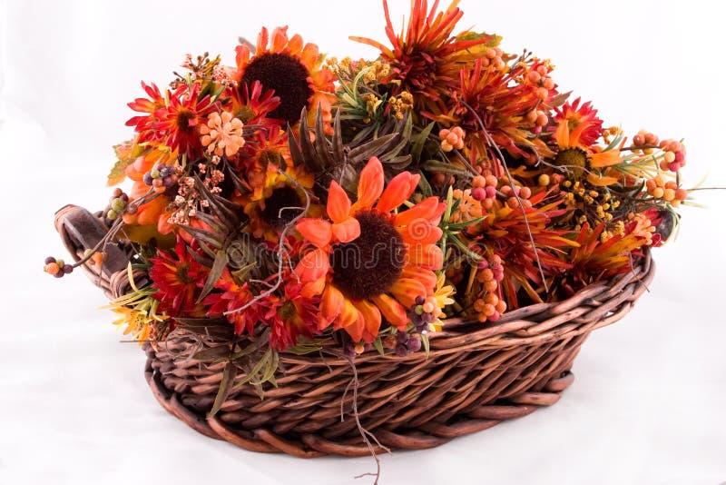 Panier de fleur images stock