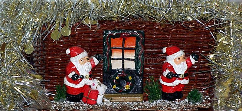 Panier de Noël pour les sucettes de Santa photographie stock