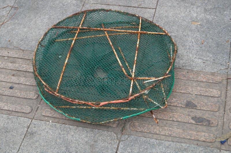 Download Panier de poissons photo stock. Image du filet, fond - 56483222