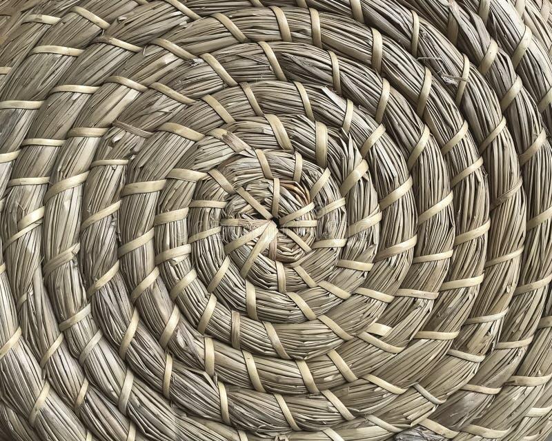 Panieraio fatto delle fibre tessili naturali nello stile del cerchio fotografia stock libera da diritti