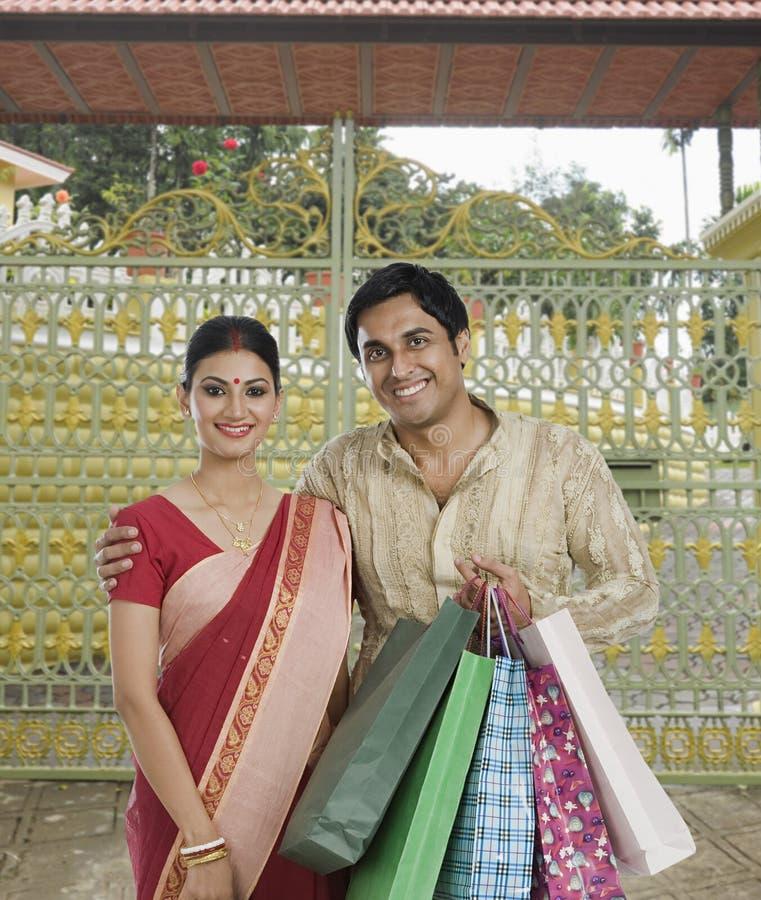 Paniers de transport de couples bengali photo libre de droits
