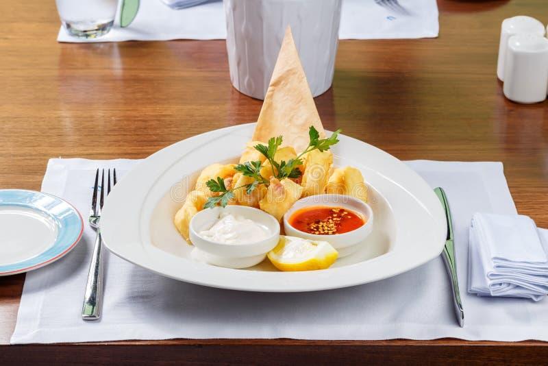 Panierte Garnelen - Königgarnelen beschichteten in den einfachen und würzigen Brotkrumen und frittierten lizenzfreies stockfoto