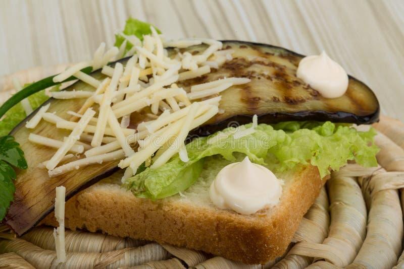 Download Panini Avec L'aubergine Grillée Photo stock - Image du salade, aubergine: 45358724