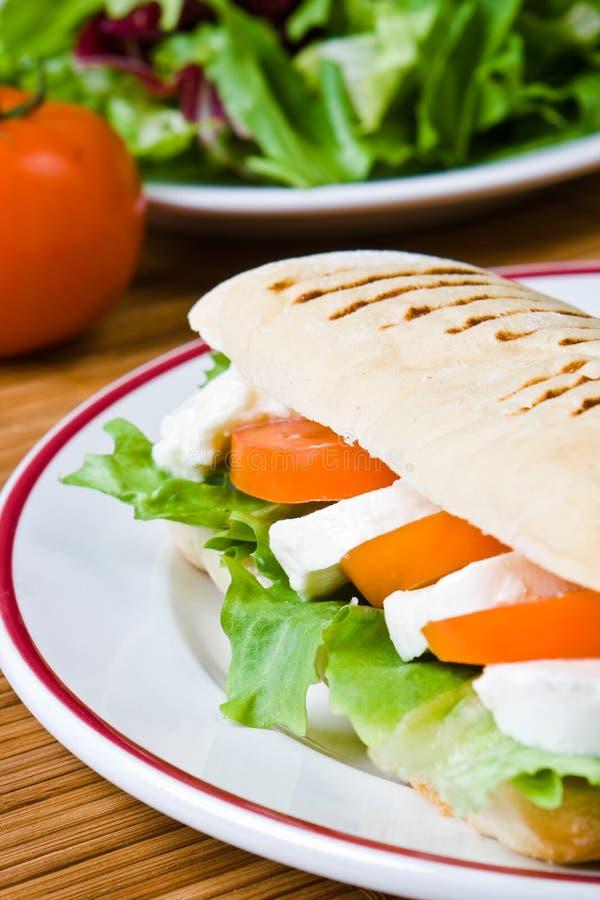Panini de mozzarella et de tomate image stock