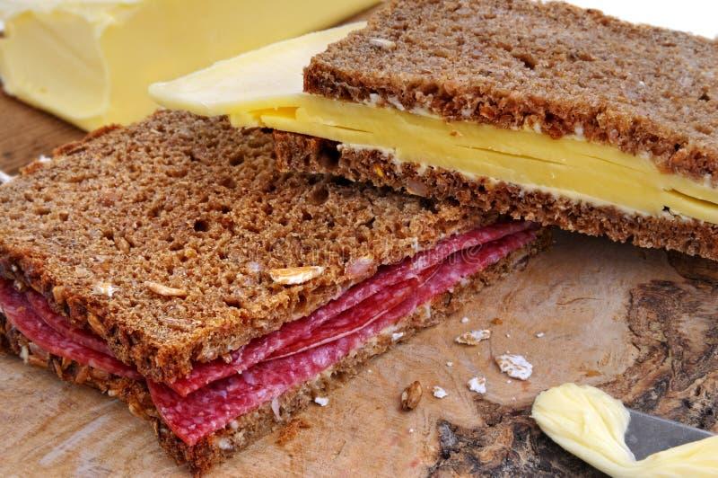 Panini del formaggio e del salame fotografia stock libera da diritti