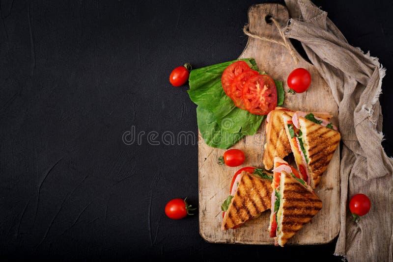 Panini do sanduíche de clube com presunto imagens de stock royalty free