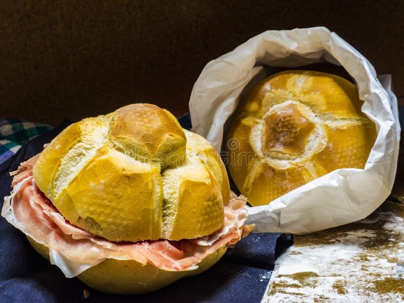 Panini met de ham van Parma royalty-vrije stock afbeeldingen