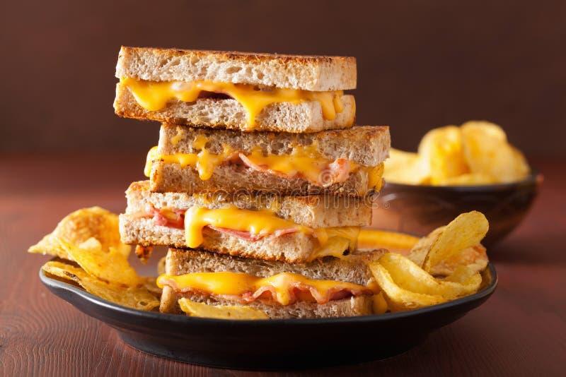 Panino arrostito del bacon e del formaggio immagini stock libere da diritti