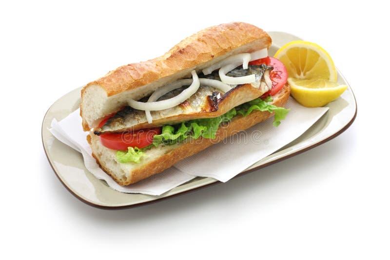 Panino del pesce dello sgombro, alimento turco fotografia stock libera da diritti