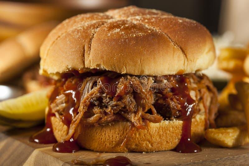 Panino della carne di maiale tirato barbecue immagini stock libere da diritti