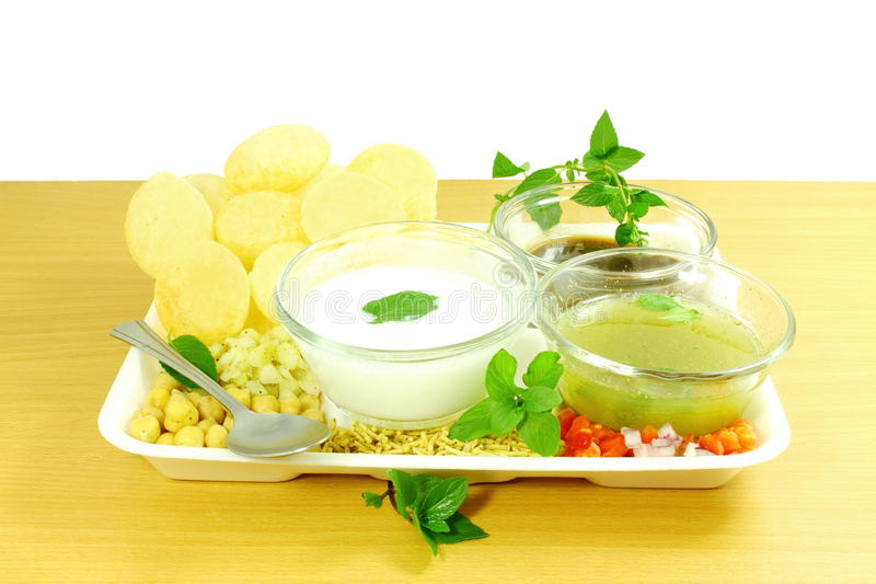 Panipuri ή ινδικό πρόχειρο φαγητό τροφίμων Gujarati Marathi gappa Gol στοκ εικόνα με δικαίωμα ελεύθερης χρήσης