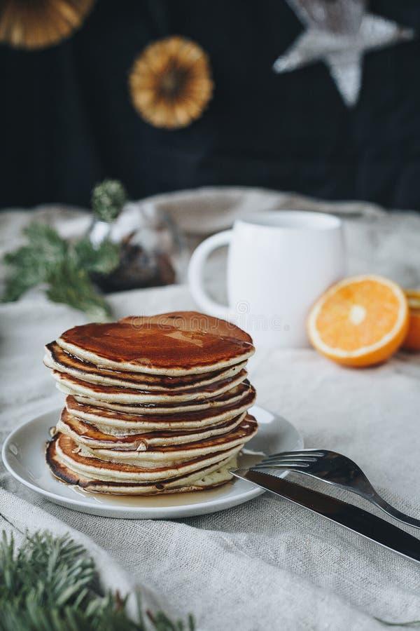 Pankaces pour le petit déjeuner est une idée très bonne que peut être meilleur ? : photo stock