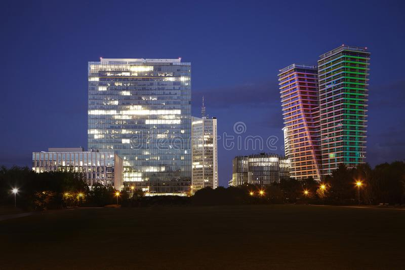 Pankrac布拉格地平线全景街市与几个企业大厦 免版税图库摄影