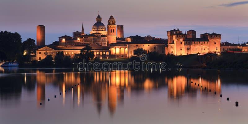 Panna för Mantua slottuppsättning royaltyfria bilder