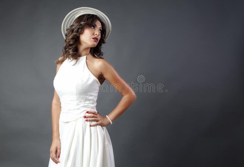 Panna młoda z kapeluszem obrazy royalty free