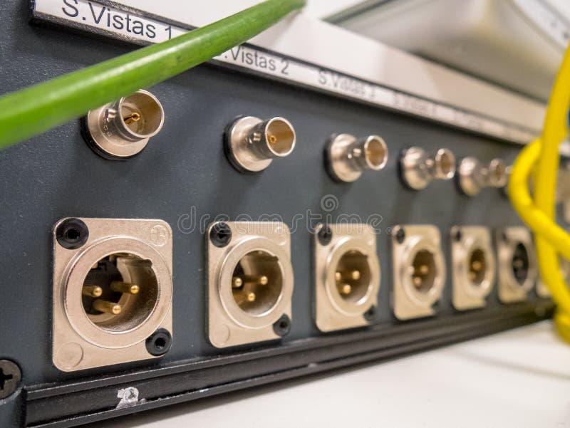 Panneau audio et visuel de connexion, XLR et BNC images stock