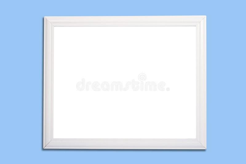 Panneau blanc de vue ou de repère sur le bleu photographie stock