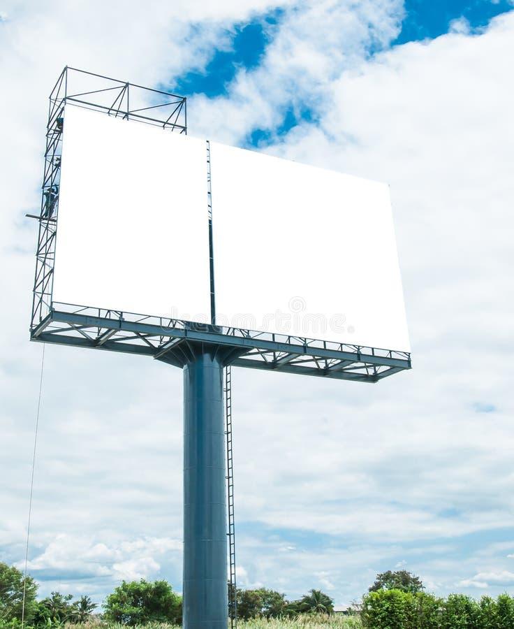 Panneau d'affichage vide prêt pour la nouvelle publicité image stock