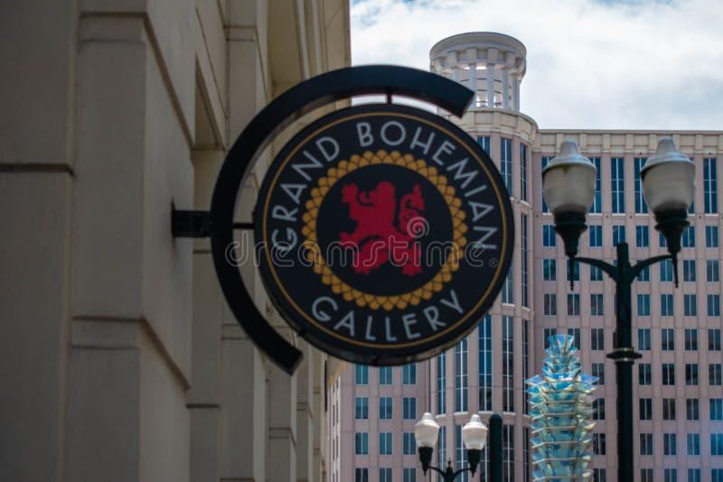 Panneau de la Grand Bohemian Gallery sur le fond de l'hôtel de ville d'Orlando au centre-ville 27 photographie stock