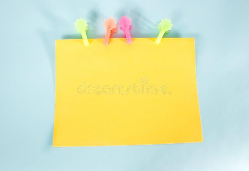 Panneau de message jaune photo stock