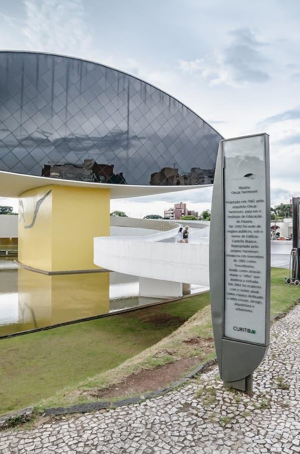 Panneau instructif de musée d'Oscar Niemeyer images libres de droits