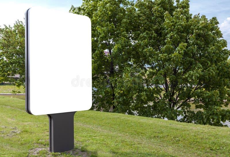 Panneau-réclame blanc blanc photo stock