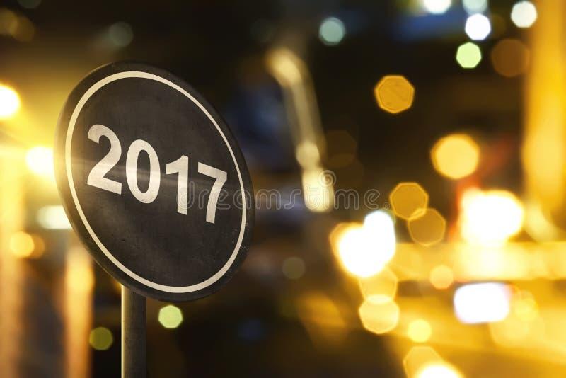 Panneau routier avec le numéro 2017 photo stock