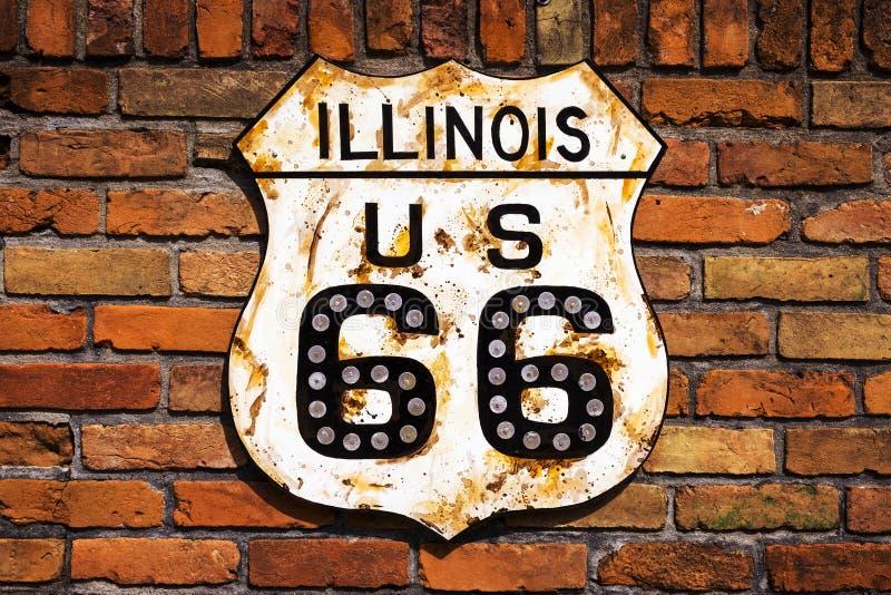 Panneau routier de Rusty Route 66 photo stock