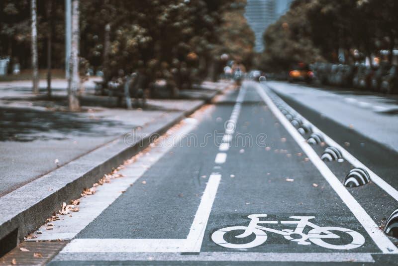 Panneau routier de voie pour bicyclettes photos libres de droits