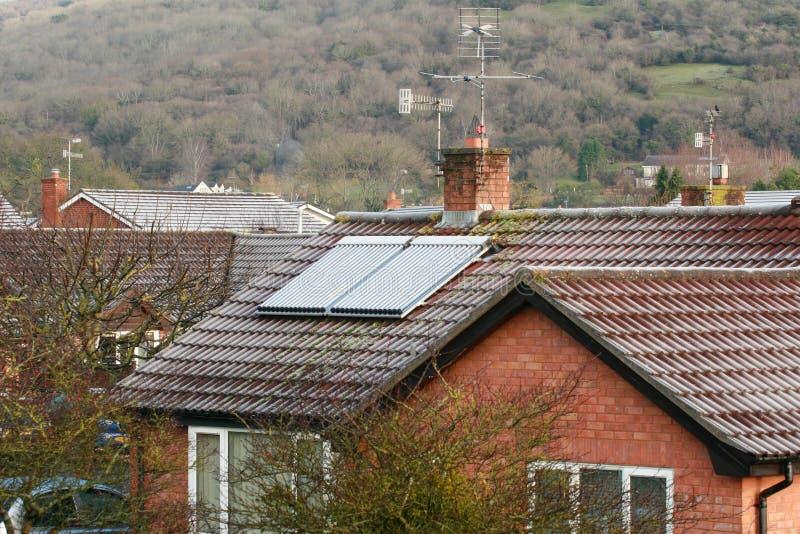 Panneau solaire de toit un matin givré photo libre de droits