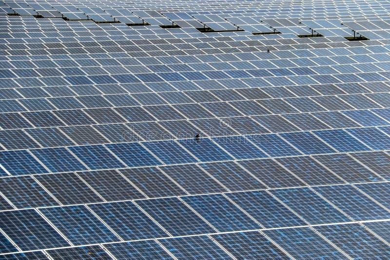 Panneau solaire produisant de l'?nergie propre de l'?lectricit? image libre de droits