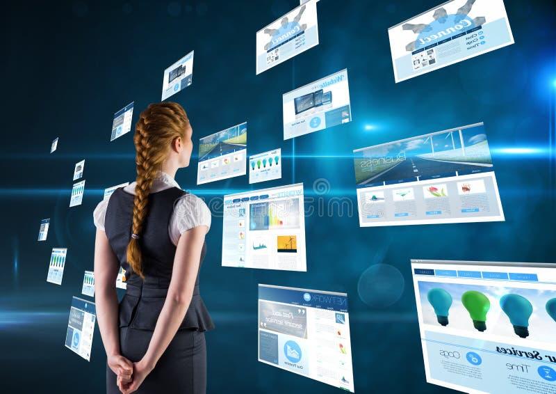 panneaux avec le fond bleu-foncé (bleu) de sites Web Femme d'affaires avec la tresse avec ses mains sur le CCB photo stock