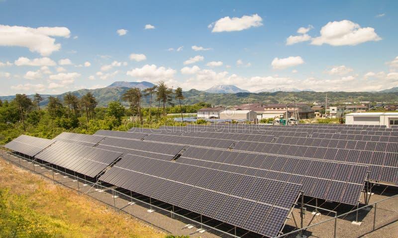 Panneaux d'énergie solaire image stock