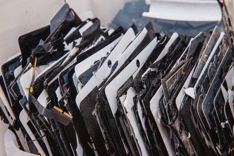 Panneaux et écrans cassés des téléphones d'iPhone image libre de droits