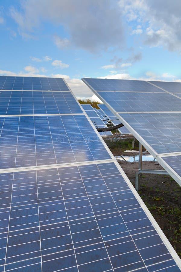 Panneaux solaires de photovoltaics images libres de droits