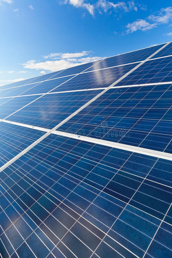 Panneaux solaires de photovoltaics image stock
