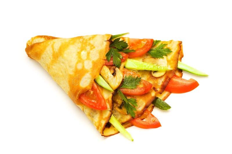 Pannekoek Met Komkommers Stock Foto's