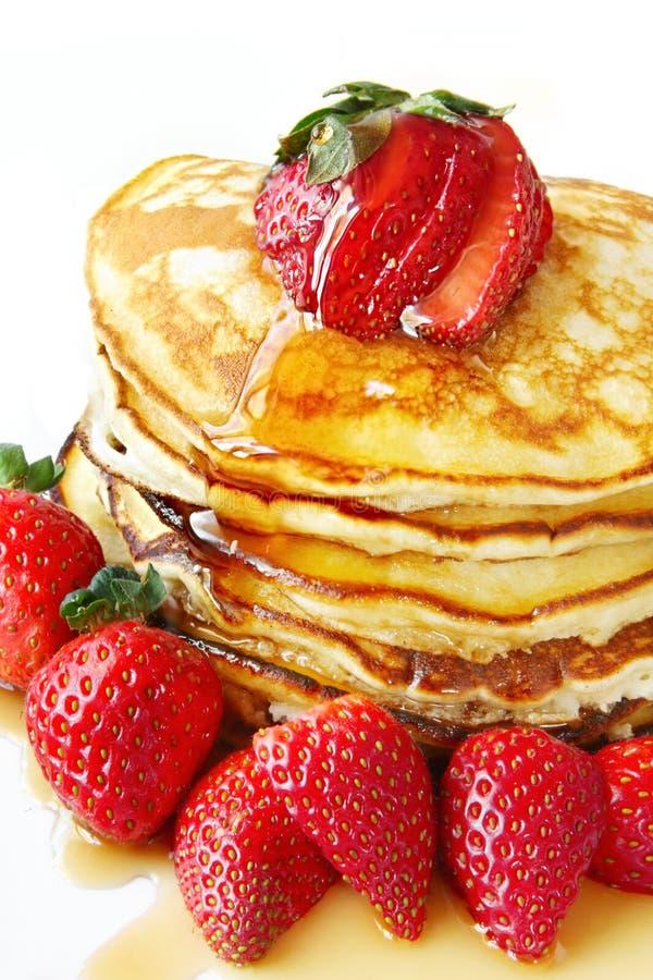 Pannekoeken met Aardbeien royalty-vrije stock afbeeldingen