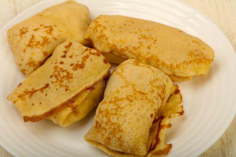 Pannekoeken met vlees stock foto's