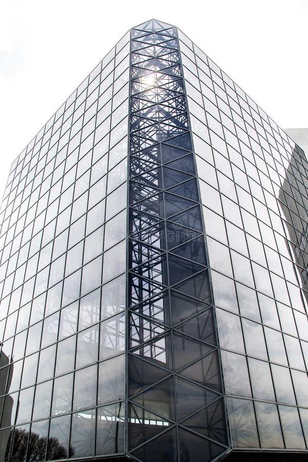 Pannelli di vetro dal lato di una costruzione fotografie stock