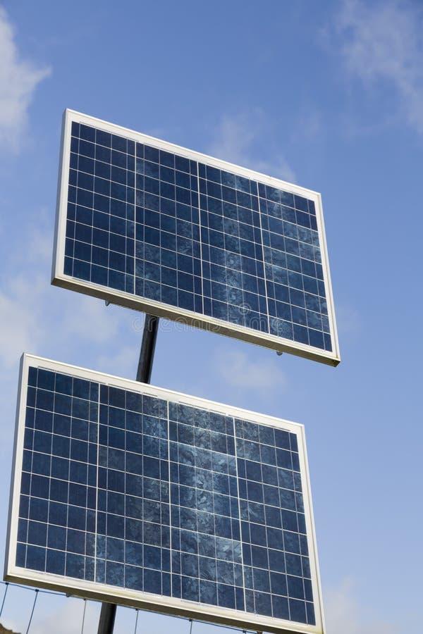 Pannelli solari, celle solari, Regno Unito fotografie stock