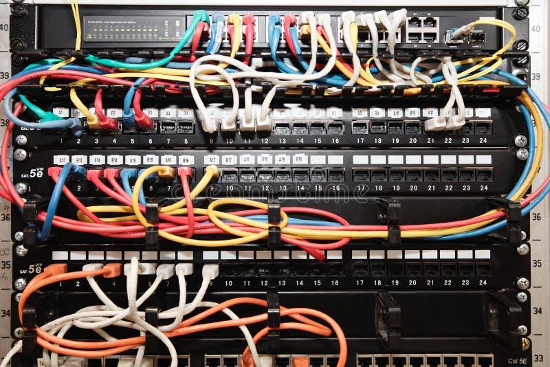 Pannello, commutatore e cavo della rete immagine stock