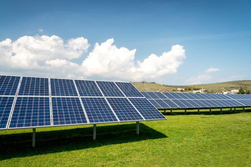 Pannello solare, fonte fotovoltaica e alternativa di elettricit? immagini stock