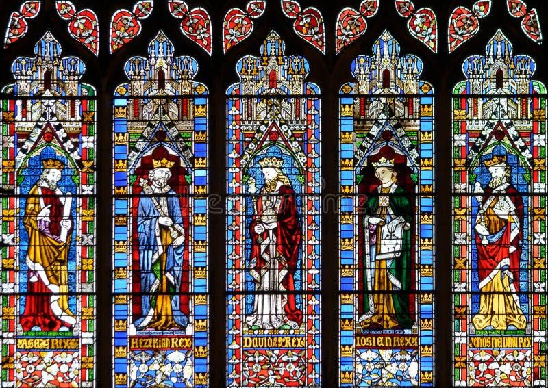 Pannello superiore della finestra ad ovest, vetro macchiato in Lincoln Cathedral immagine stock