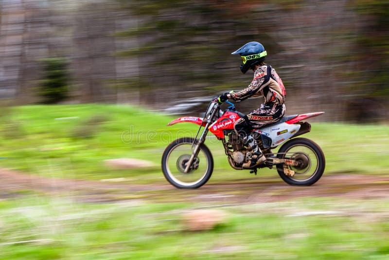 Panning fotografie, motorfiets het praktizeren royalty-vrije stock foto's