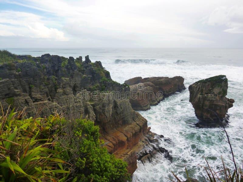 Pannkakan vaggar i Punakaiki, den södra ön, New Zealand royaltyfri bild