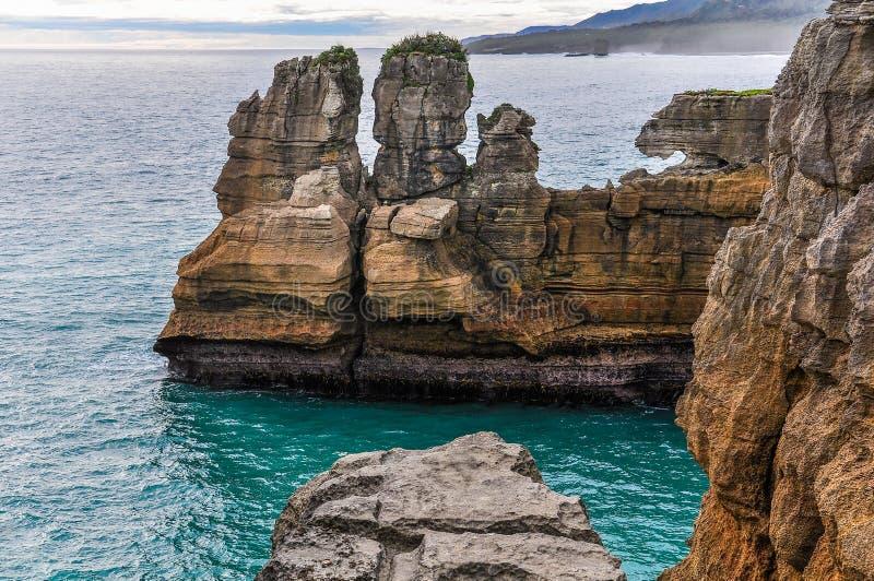 Pannkakan vaggar i Punakaiki, Nya Zeeland royaltyfria bilder