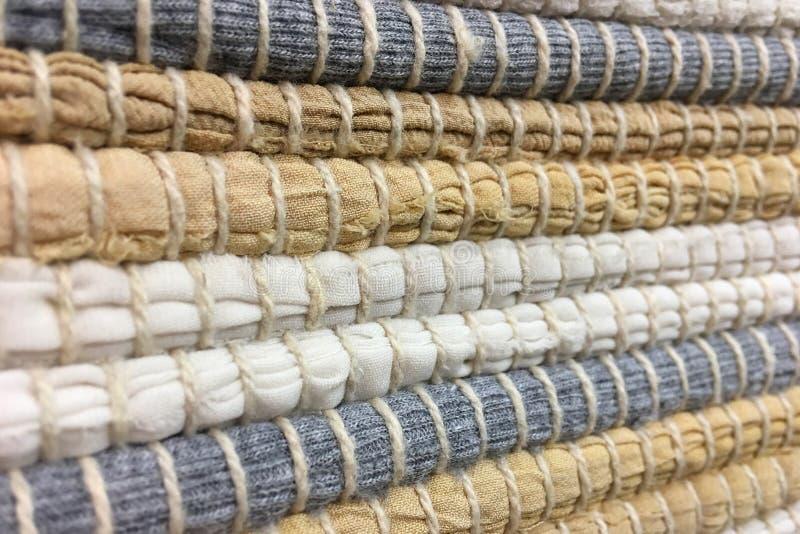 Panno cucito dalle strisce di tessuto Cucito, riutilizzazione dei materiali Priorità bassa della tessile immagini stock